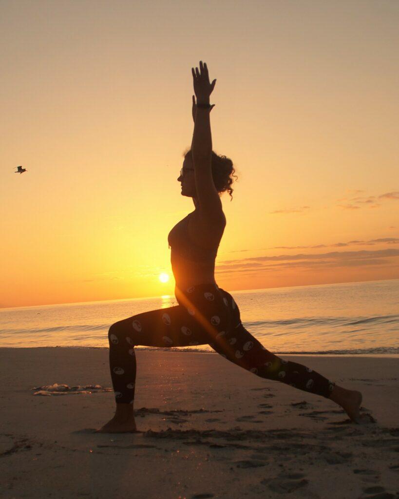 sonnenaufgang yoga vinyasa